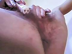 Sexy Paulina Masturbates Her Hairy Fuck Hole